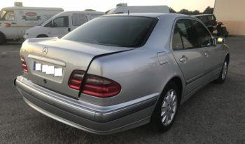 Mercedes E 240 W210 lleno